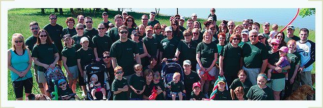 Moneta employees volunteer at a local park.